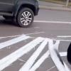 Упавший билборд стал причиной ДТП в Омске