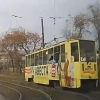На видеорегистратор омского водителя попал момент обрыва проводов трамваем на Бульварной