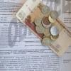 Более шести тысяч омичей не смогли выехать за границу из-за долгов по коммуналке