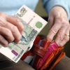 81-летняя омичка приняла мошенницу за родственницу и отдала ей деньги