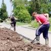 В Омске открылась запись на летнюю подработку для подростков