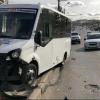 В центре Омска в ДТП с маршруткой пострадали шесть пассажиров