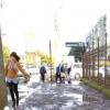Омичи не могут добиться от чиновников ремонта тротуара на Куйбышева