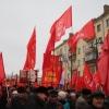 Омские коммунисты прошлись колонной по улицам города