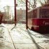 На замерзших рельсах забуксовали омские трамваи