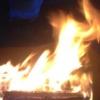 В Омской области мужчина облил приятеля бензином и поджег