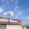 В Омской области подростки обкидали яблоками движущийся поезд