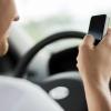 На водителя омской маршрутки, разговаривающего по телефону, пожаловались омичи