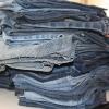 Ненужную джинсовую одежду омичи могут отдать для творческой мастерской