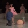 Хоккеист сделал предложение омской балерине прямо на сцене