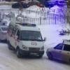 Сын пациентки «скорой» разбил нос омскому врачу