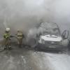 В Сети появились фото сгоревшего в Омске микроавтобуса
