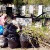 Омичам предлагают заказать за деньги уборку на могилках