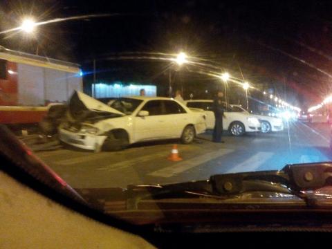 Девушка на Тоёта врезалась в Ауди A5: наперекрестке погасли все светофоры