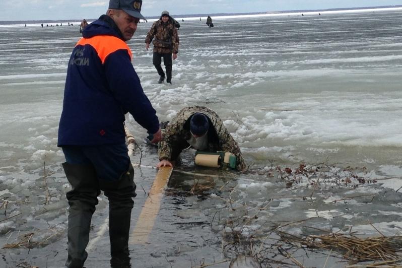 как спасти рыбака в life