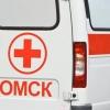 В Омске мужчину сбили рядом с остановкой