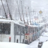 Из-за обрыва проводов троллейбусы в Омске создали пробку