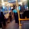 Видео: В Омске кондуктор мыла пол в автобусе во время движения