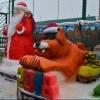 Омские осужденные слепили снежных собак и хоккеиста
