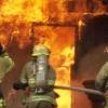 Два омича спасли из огня мать и ребенка