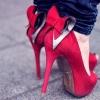 Женщинам хотят запретить носить балетки и туфли на шпильках