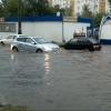 В Омске улицу Дмитриева затопило дождями