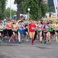 Омички первыми финишировали на Цветочном Забеге