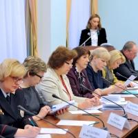 В Омской области приняли план по решению проблем рождаемости