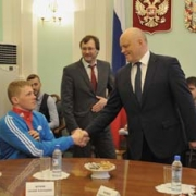 Омских паралимпийцев поощрят бассейном и стадионом