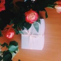 Бизнесмены делают подарки попавшим в трудную ситуацию омичам