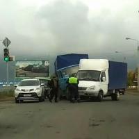 ДТП у омского «Леруа Мерлен» спровоцировало пробку