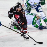 С большим отрывом «Салават Юлаев» выиграл в Омске у «Авангарда»
