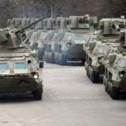 Украинские власти ввели БТРы в Луганск в связи с беспорядками