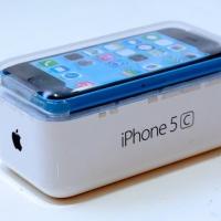 "Apple прекратит производство ""пластиковых"" iPhone 5C в 2015 году"