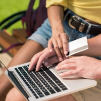 Где оформить онлайн кредит или получить круглосуточный кредит на карту в Украине