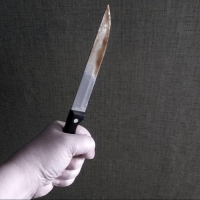 Рецидивист нанес ножевые ранения омичу из-за личной неприязни