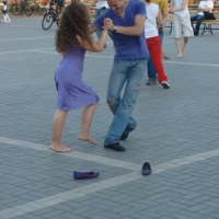 На выходных омичи выйдут шутить в парки и танцевать на пляже