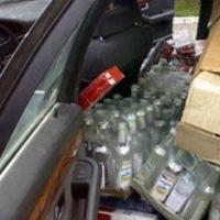 Сотрудник ГИБДД возил нелегальную водку в Омск