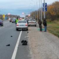 На трассе под Омском «Лада» насмерть сбила пешехода