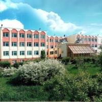 Омской общеобразовательной школе №55 присвоили имя педагогов Кичигиных