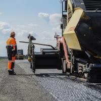 Сэкономленных средств на торгах хватит на ремонт еще трех дорог в Омской области