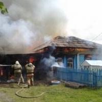 В Любинском районе спасают 3-летнего малыша, пострадавшего в пожаре