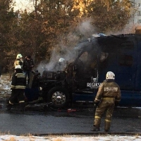 В Омске прямо на дороге загорелась фура