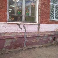 Омский садик с трещинами специалисты назвали работоспособным