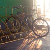 Омич похитил велосипед за 30 тысяч рублей, оставленный без присмотра