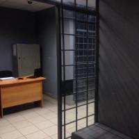 Омских полицейских лишили свободы за избиение задержанного