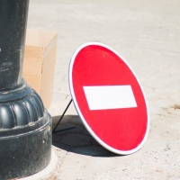 Омичей предупреждают о перекрытии движения на проспекте Губкина
