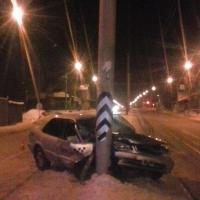В ДТП с трамвайной опорой пострадали водитель и два пассажира «Тойоты»