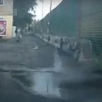 Омский водитель снял «открытие нового фонтана» на 3-м Разъезде