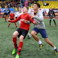 Более 80 омских команд боролись за право попасть в суперфинал чемпионата KFC по мини-футболу